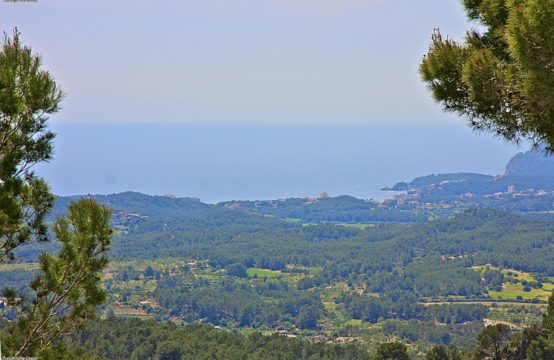 Beautiful building plot in Son Font above Calvia with sea view