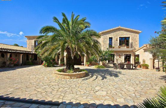 Port Andratx: Villa im Hacienda Stil mit Hafen- und Meerblick auf 50.000 m2 Grundstück