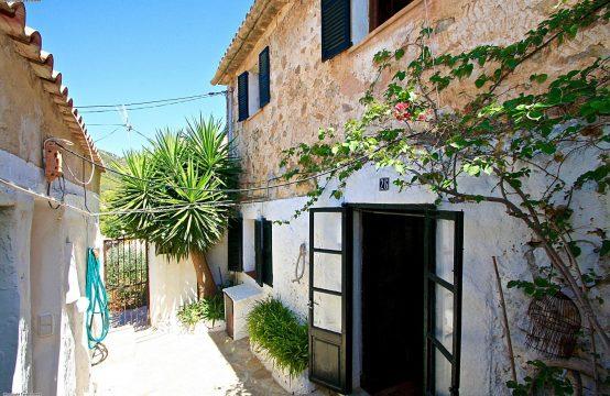 A vendre, Andratx, Petite maison de village authentique avec un grand garage
