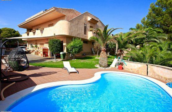A vendre, Nova, Santa Ponsa, Villa proche de la mer avec vue mer et grand appartement d'amis
