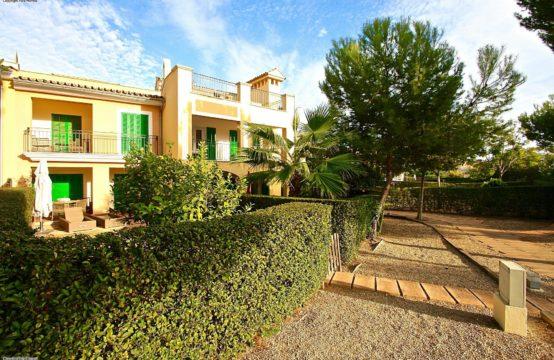 Nova Santa Ponsa: Triplex apartment for sale in a beautiful community near Port Adriano
