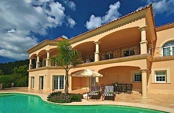 SPANISCH Mallorca: Villa in Son Vida mit Blick über die Bucht von Palma de Mallorca