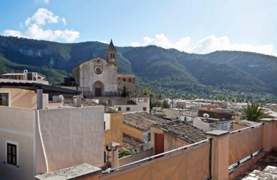 Mallorca Andratx: Gemütliches Dorfhaus in Andratx mit Garten und Gästehaus