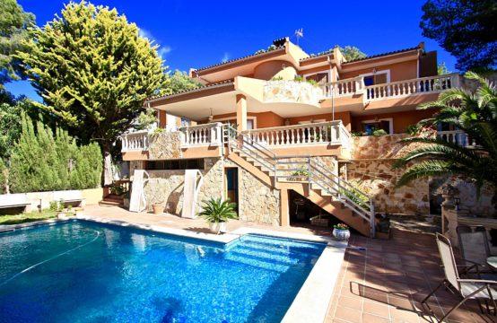 Costa de la Calma: Großzügige Familien-Villa in ruhiger Wohnlage mit Pool zu verkaufen