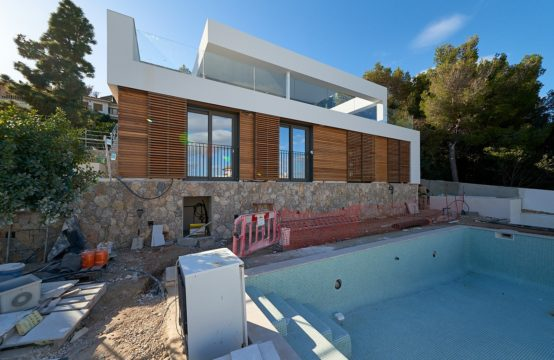Cas Catala: Villa in top quality with sea views for sale
