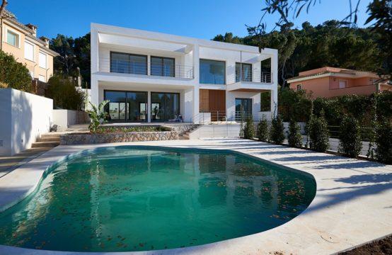 Santa Ponsa: Neubau- Villa mit top Ausstattung und Meerblick zu verkaufen
