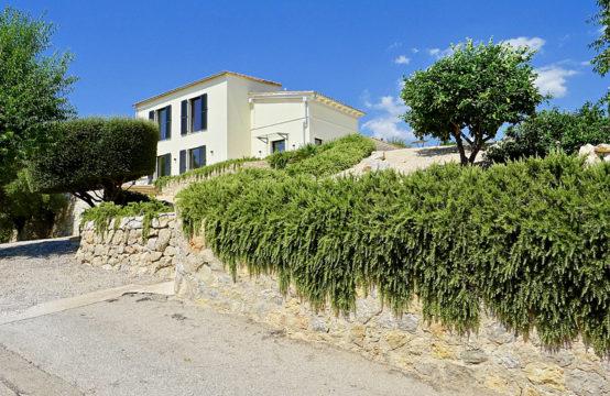 Puerto de Andratx: modern renovierte Finca mit etwas Hafenblick zu verkaufen