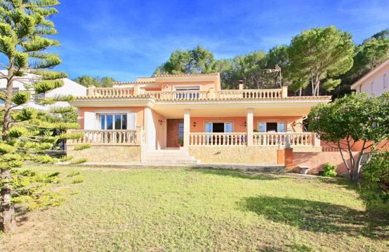 Nova Santa Ponsa: Villa familiale de style méditerranéen avec vue fantastique sur la mer