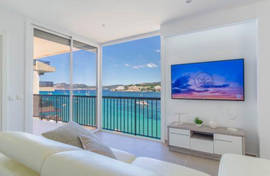 Santa Ponsa: kernsanierte moderne Wohnung in erster Meereslinie mit Traum Blick zu verkaufen