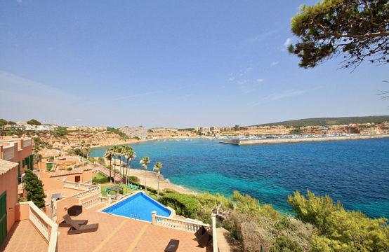 Nova Santa Ponsa : appartement en première ligne de mer avec vues spectaculaires sur la mer et le port