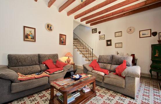 S'Arracó: Ursprüngliches Dorfhaus mit kleinem Garten zu verkaufen