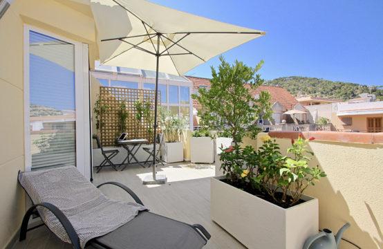 Apartamento situado en Port d ' Andratx: el apartamento está situado en el centro de Port d ' Andratx con vistas al puerto.