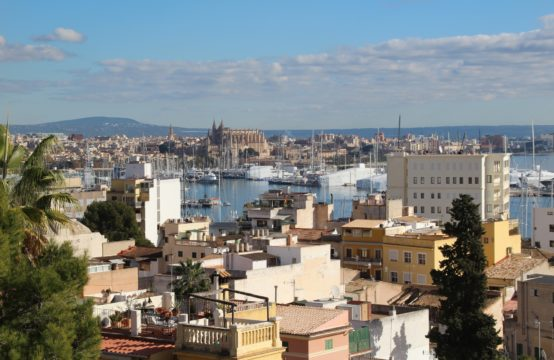 Palma: Beautiful semi-detached house for first use after refurbishment in the district El Terreno for sale