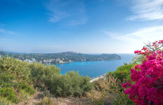 Santa Ponsa: Grundstück in Costa de la Calma für den Bau einer modernen Villa zu verkaufen