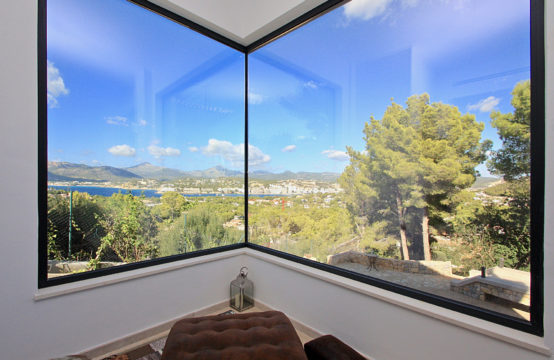 Santa Ponsa: renovated villa in a prime location with fantastic sea views for sale