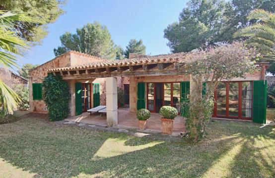 Santa Ponsa: Naturstein- Villa in perfekter Gartenanlage mit herrlichem Pool