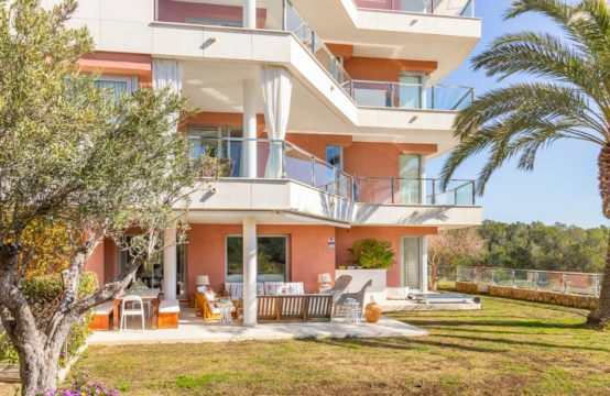 Mallorca for sale: very generous garden apartment in Sol de Mallorca with 5 bedrooms