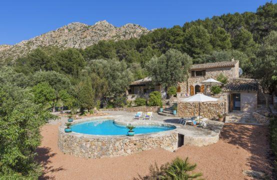 Komplett renovierte Naturstein Finca mit herrlichem Pool und Panoramablick in Andratx zu verkaufen