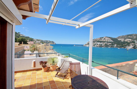 Port Andratx: 2-bedroom duplex penthouse with stunning sea views