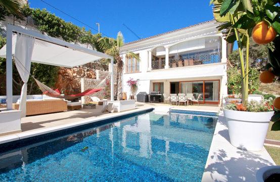 Port Andratx: Villa mit Meerblick und traumhaftem Poolbereich in ruhiger Lage zu verkaufen