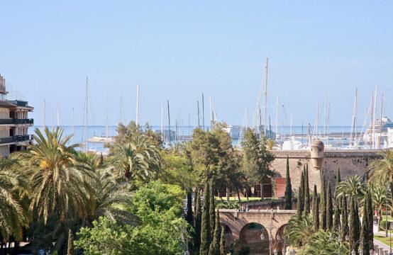 Palma de Majorque: Appartement récemment rénové à vendre dans un emplacement idéal avec vue sur la mer