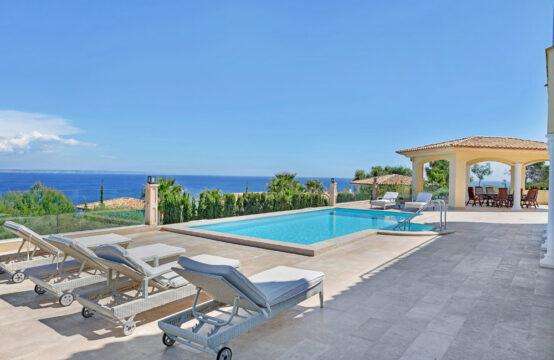Mallorca: außergewöhnliche Villa mit 6 Schlafzimmern in erster Meereslinie in Cala Vinyas zu verkaufen