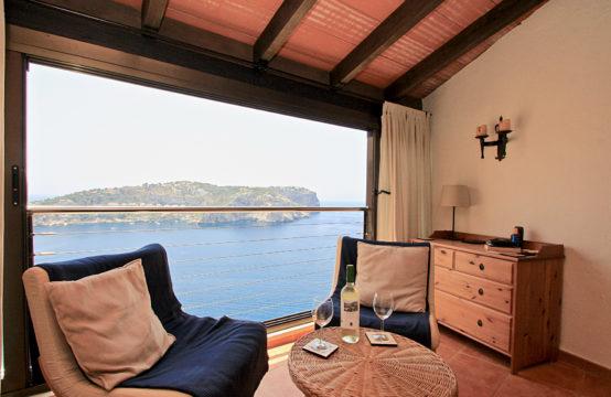 Port Andratx: kleines Apartment in erster Meereslinie mit traumhaftem Meerblick zu verkaufen