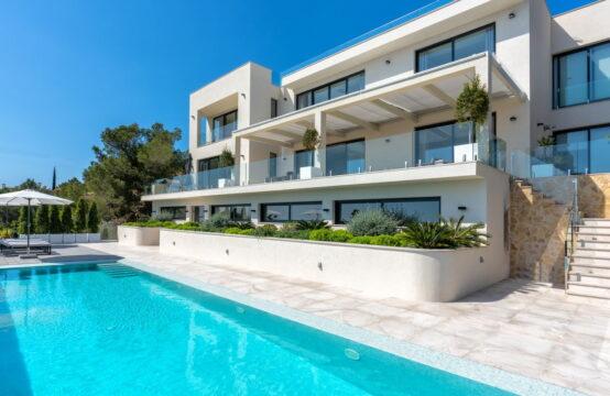 Port Andratx: A  vendre, villa neuve bien située au dessus du port d'Andratx Plus de fonctionnalités Vue sur la mer, projet, soumis à un permis de construire