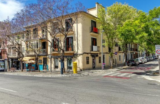 Palma de Mallorca: Luxurious townhouse for sale in the trendy Santa Catalina area