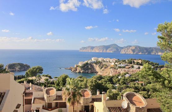 Santa Ponsa: Townhouse with stunning sea views in Mediterranean style for sale