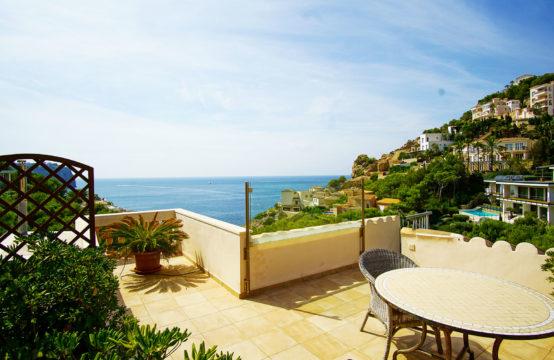 Port Andratx: Penthouse mit ca. 50 m2 Terrassen mit großem Pool und Meerblick zu verkaufen