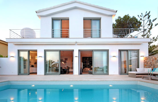 Santa Ponsa: quietly located 6 bedroom villa with sea views for sale
