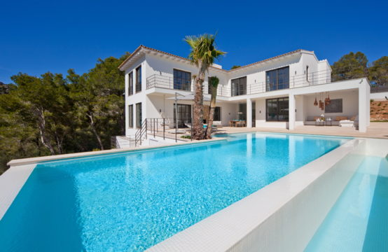 Port Andratx: exclusive modern 4 bedroom villa in Monport for sale