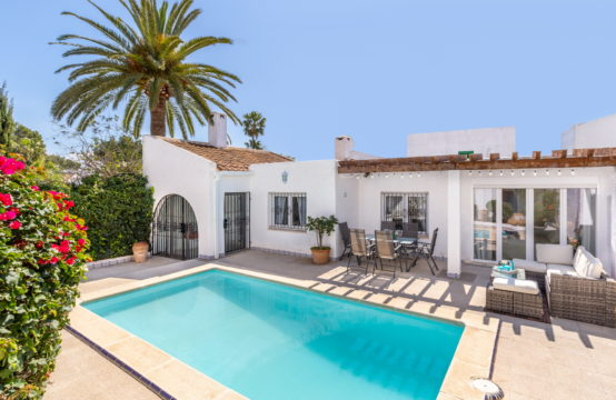 Sol de Mallorca: 4 bedroom- house with private pool for sale near the beach