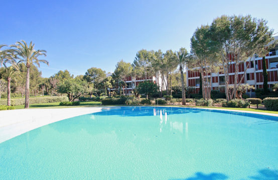 Bendinat: Luxurious apartment in popular residence with fantastic pool area for sale