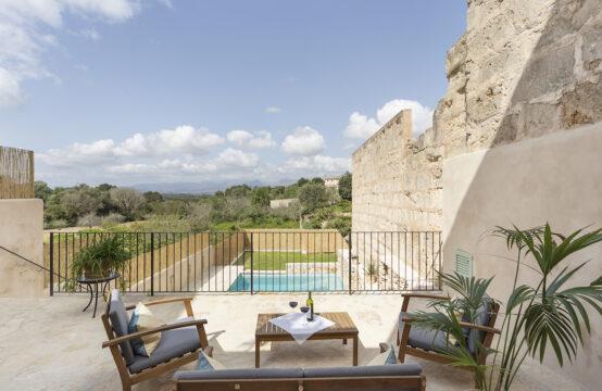 Costix: renoviertes Dorfhaus mit Pool und Blick auf die Tramuntana zu verkaufen