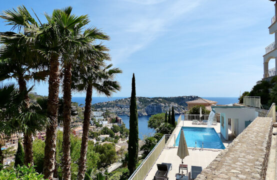 Port Andratx: Modernes Apartment mit Meerblick in einer der besten Anlagen zu vermieten