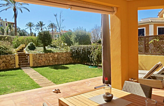 Mallorca Bendinat: ground floor apartment with  generous garden in south orientation for sale