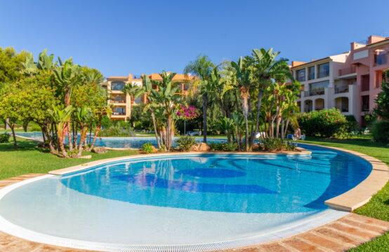 Nova Santa Ponsa: Luxus-Wohnung mit Garten in sehr gepflegter Golfresidenz zu verkaufen