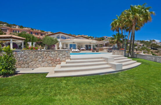Port Andratx: modern villa with pool, harbor and sea views on a flat plot for sale