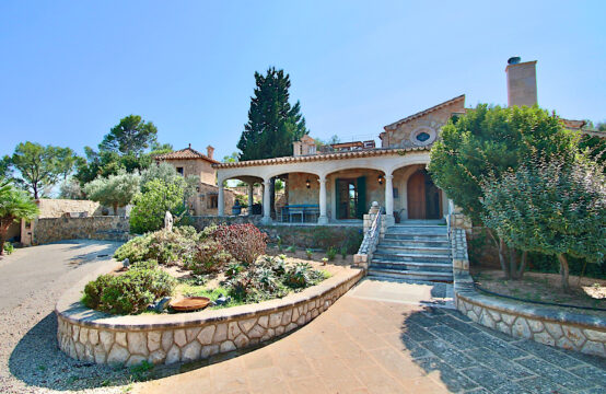 Es Capdella: Impressive Finca Property with Guesthouse, Pool and Panoramic Views for rent