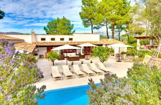 Port Andratx: Moderne Finca mit 4 Schlafzimmern, Terrassen und Pool auf einer Ebene zu verkaufen
