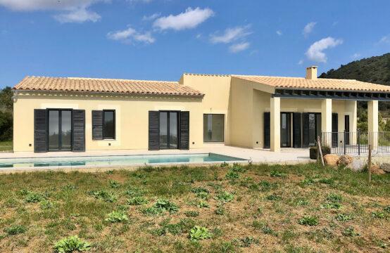 Son Servera: Moderne Neubau-Finca mit 3 Schlafzimmern, Terrassen und Pool auf einer Ebene zu verkaufen
