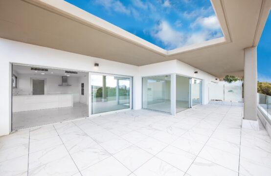 Santa Ponsa: Modernes Penthouse am Golfplatz mit 3 Schlafzimmern und großer Terrasse zu verkaufen