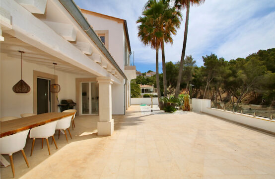 Port Andratx: Modern villa with 4 bedrooms, pool and fantastic sea views for sale