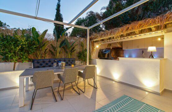 Paguera: Vollständig modernisierte Wohnung mit großer Terrasse und Außenküche