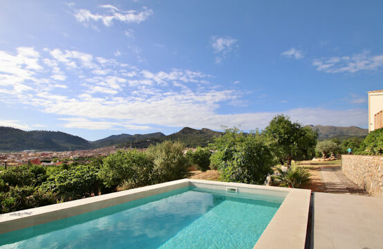 Andratx: New build finca with 4 bedrooms and pool on a flat plot in dream location for sale
