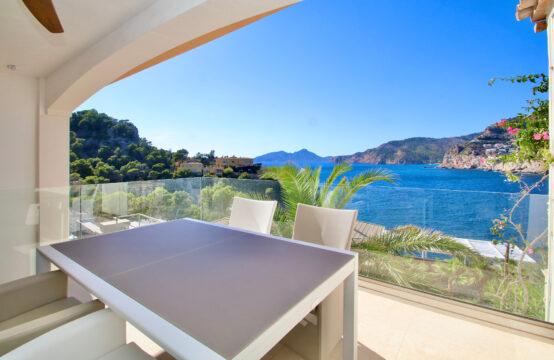 Port Andratx: modernisiertes Haus mit herausragendem Meerblick fußläufig zum Hafen von Andratx zu verkaufen