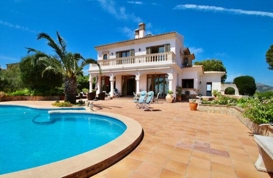 Son Font: Landhaus mit herrlichem Meerblick auf 4.000 m2 Grundstück zu verkaufen
