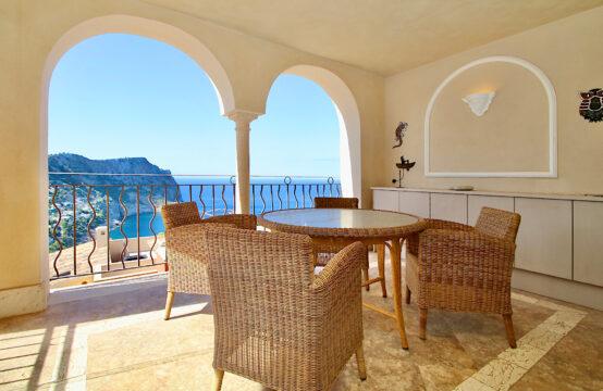 Port Andratx: Exklusive 2 Schlafzimmer Wohnung mit Traum-Meerblick, Terrassen und Pool zu verkaufen